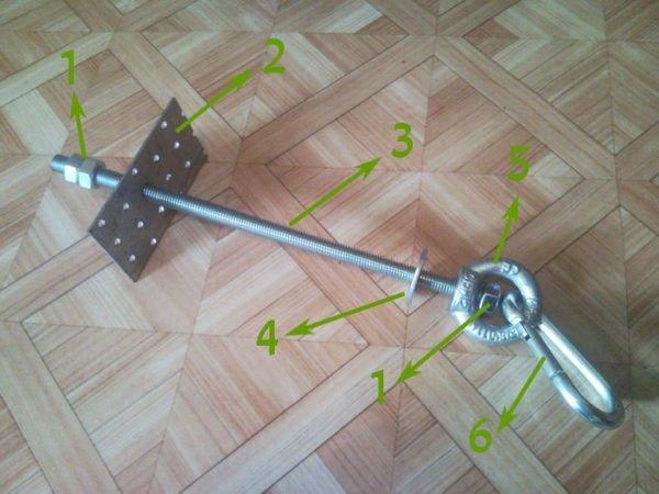 Вот такой узел необходимо соорудить, чтобы обеспечить надежность крепления на деревянном потолке