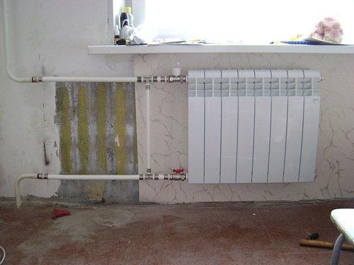 Замена чугунной батареи на биметаллическую сделает комнату теплее.