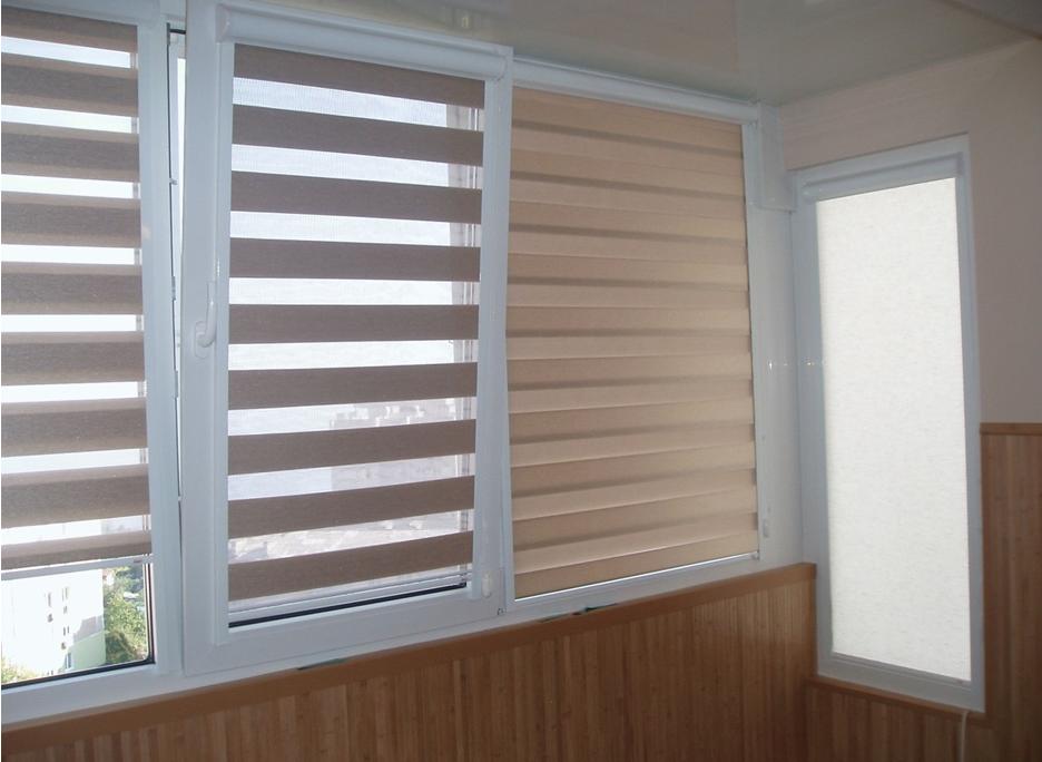 Жалюзи и шторы позволяют регулировать освещенность