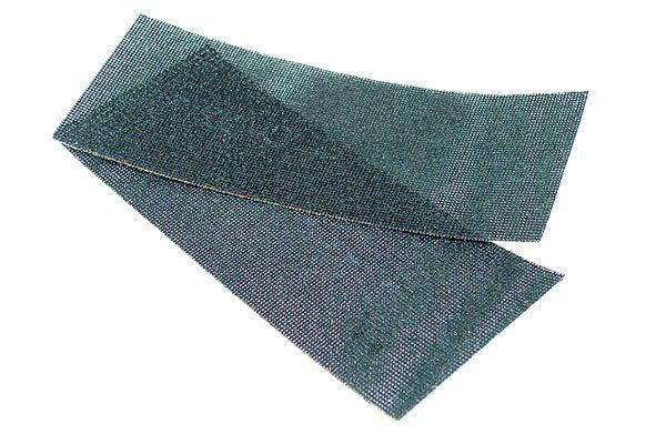 Абразивная сетка выпускается в кусках под определенный размер терки