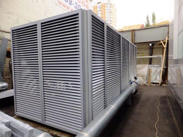 Алюминиевые конструкции на улице могут служить от 15 лет и более.