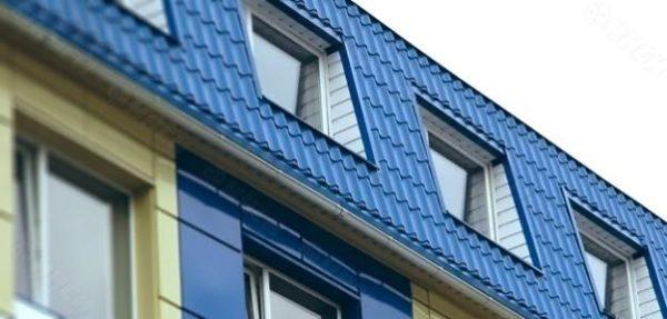 Антидормер хорошо подходит для нижних скатов ломаных мансардных крыш.