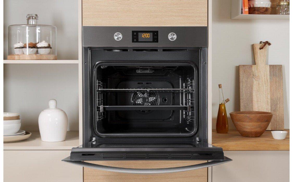 Современный духовой шкаф может быть интегрирован в любое отделение кухонного гарнитура