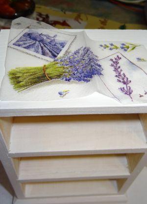att152695182017 Декупаж старого шкафа своими руками фото: кухонный мастер-класс, как сделать оформление двери шкафчика