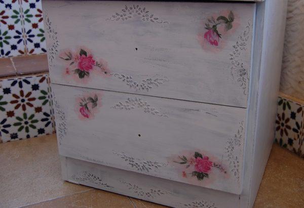 att152695183544-600x411 Декупаж старого шкафа своими руками фото: кухонный мастер-класс, как сделать оформление двери шкафчика