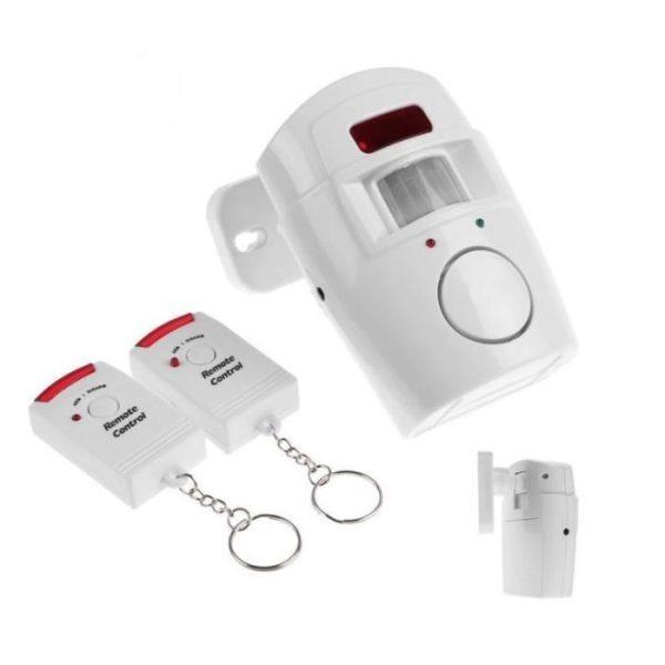 Автономная сигнализация Intruder alarm дополнительно оснащена двумя пультами дистанционного управления, делающими её эксплуатацию более удобной