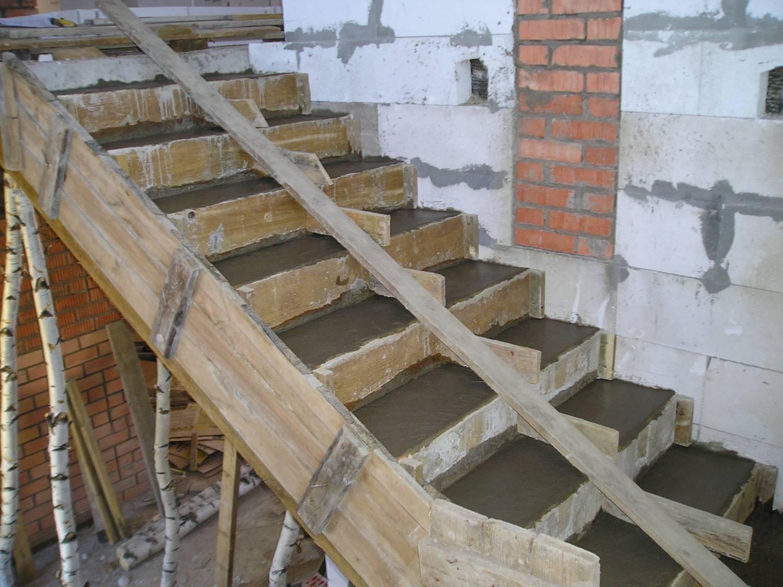 Легкие лестницы своими руками 890