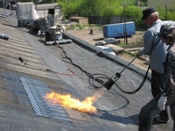 Бикрост ХКП отлично справится с защитой новой крыши от атмосферных осадков