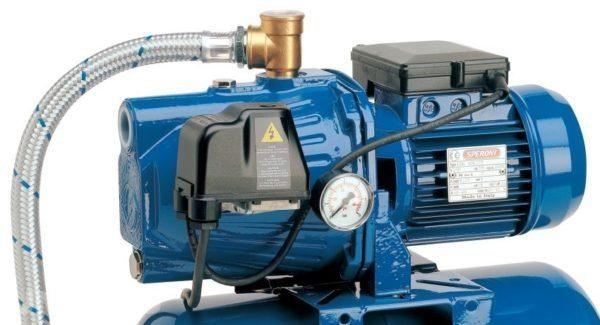 Блок управления обеспечивает автоматическое наполнение системы водой.