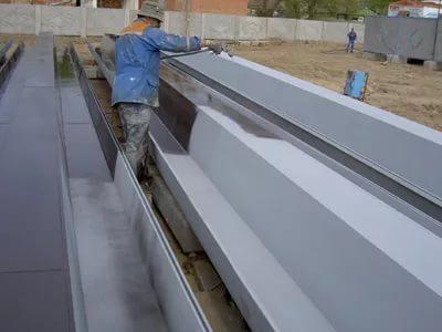 Быстросохнущий грунт предназначен для нанесения на металлические поверхности