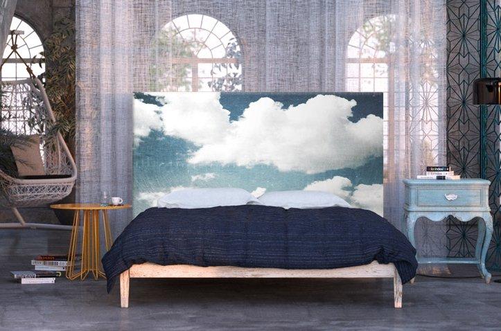 Чехол на изголовье может преобразить не только кровать, но и всю спальню