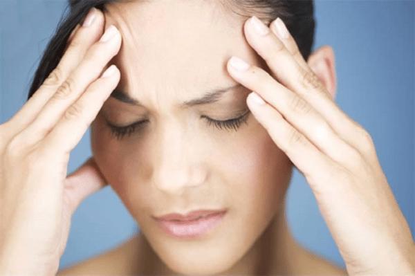 Даже запах фенола может вызвать сильную головную боль