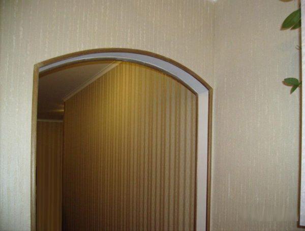 Декоративные накладки не только защищают углы, но и улучшают внешний вид углов и проемов
