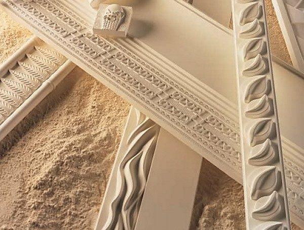 Дерево столетиями используется для изготовления накладного декора.
