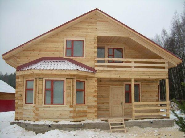 Деревянный дом считается одним из самых теплых