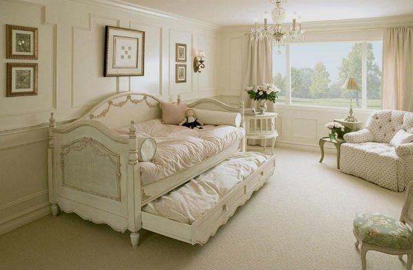 Детский диван-кровать в стиле Прованса.