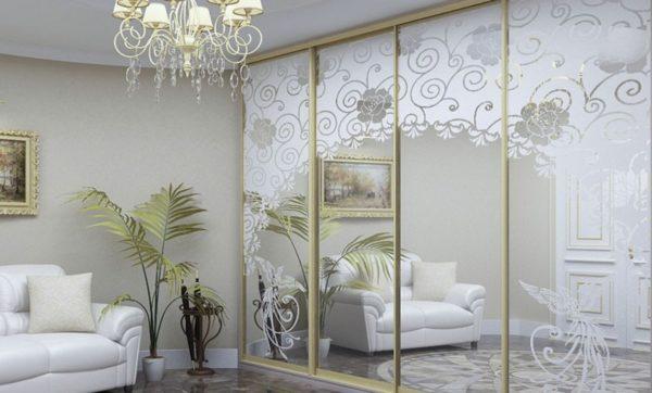 Дизайнерские зеркала преобразят любую комнату