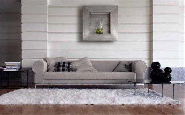 Длина реечных моделей позволяет использовать их по всей ширине комнаты