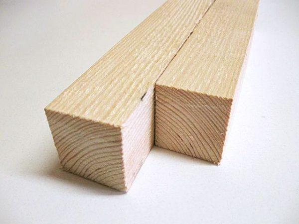 Для деревянного каркаса следует использовать бруски 50х50 мм