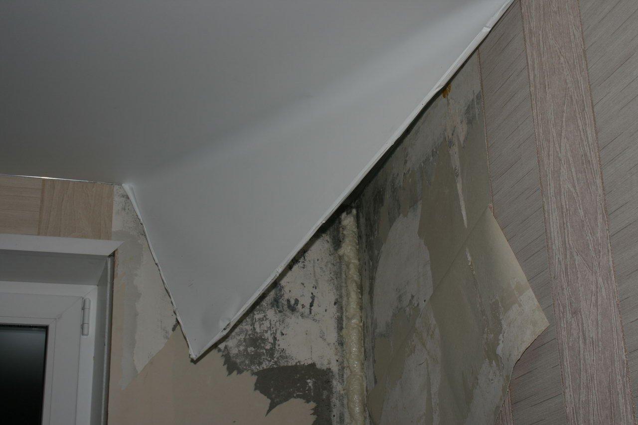 Демонтаж натяжных потолков видео