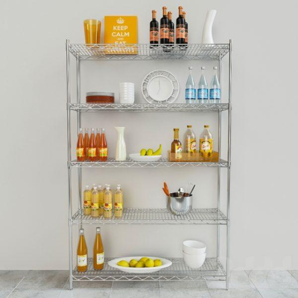 Добавить цветовой акцент металлическим изделиям можно при помощи наполнения полок посудой любых оттенков