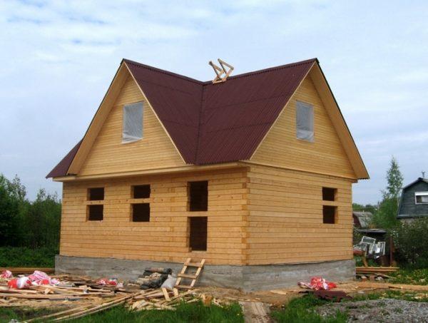 Дом из бруса построить легче, и обходится он дешевле.