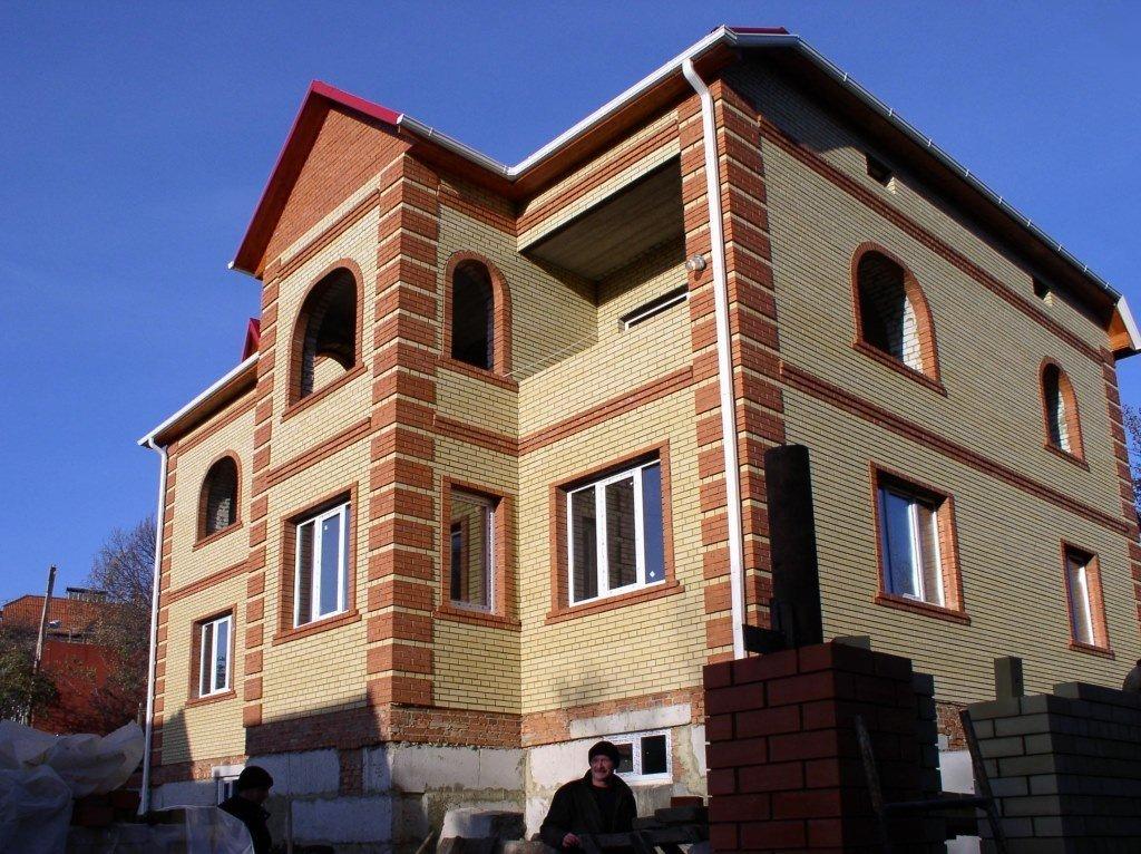 облицовка фасада дома кирпичом варианты