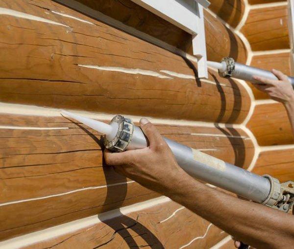 нанесение герметика на древесину