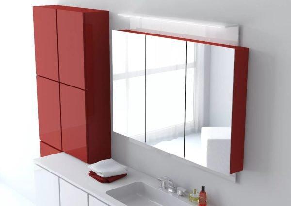 Двери могут служить дополнительным местом для установки зеркал