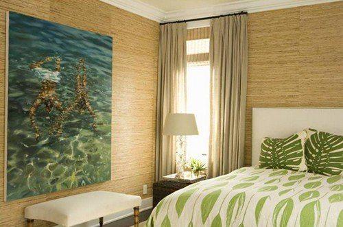 Экологичную отделку из бамбука можно использовать в спальной комнате