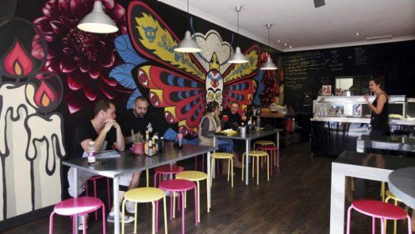 Эксклюзивная фреска может стать визитной карточкой кафе.