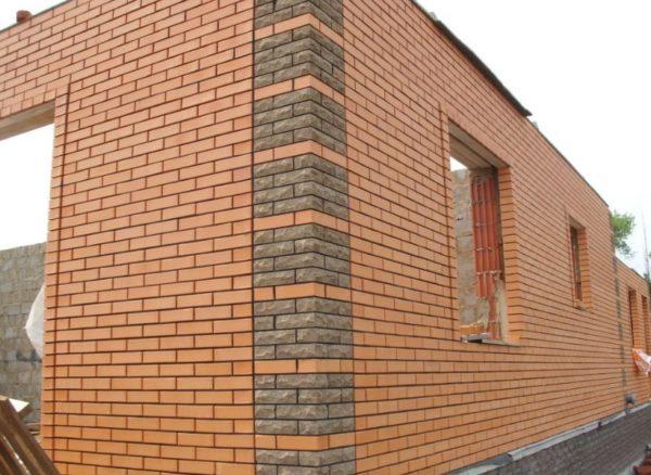 Фасад из кирпича — это не только красиво, но и надежно
