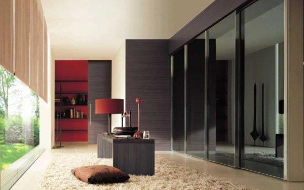 Фасад по цвету и фактуре исполнения гармонирует с оформлением мебели