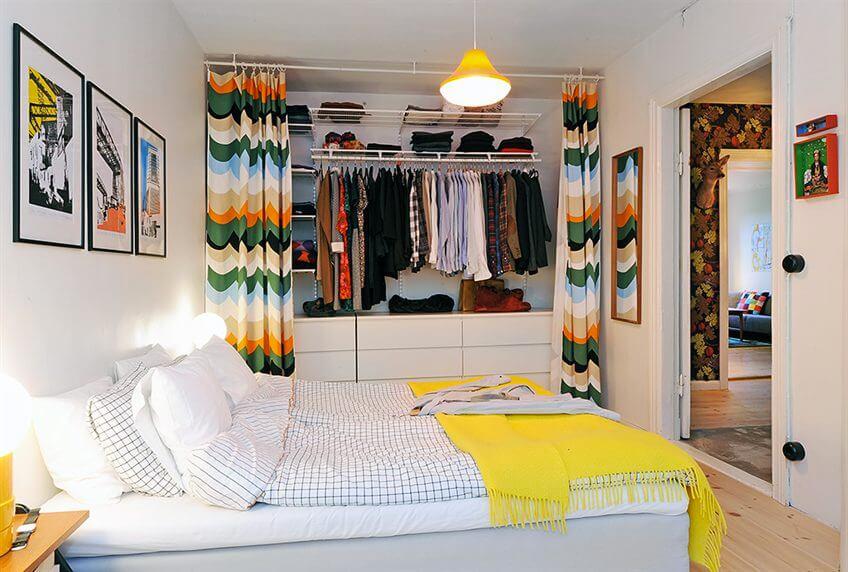 Со встроенными шкафами можно использовать все свободное пространство до потолка