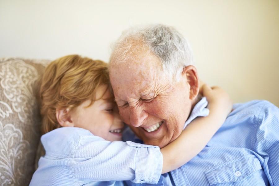 Муж в детстве со своим любимым дедушкой.