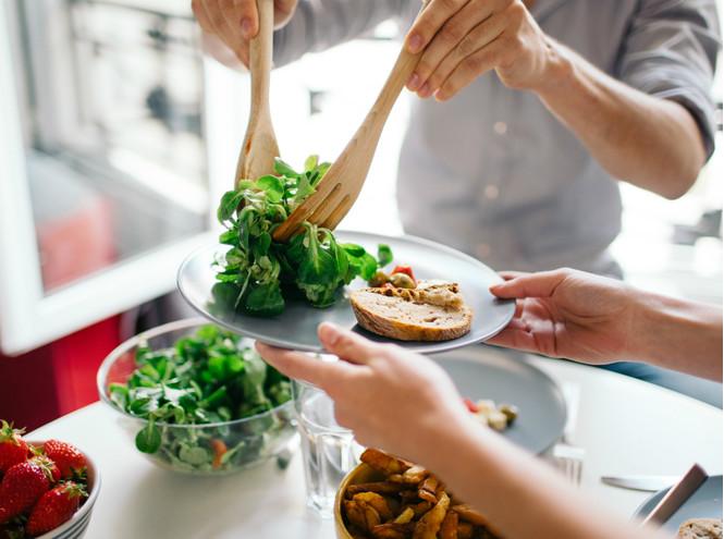 Маленькие порции - прекрасный способ разогнать свой метаболизм.