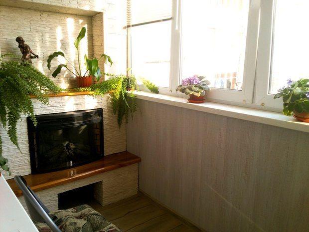 Балкон с мини-камином obustroeno.com.