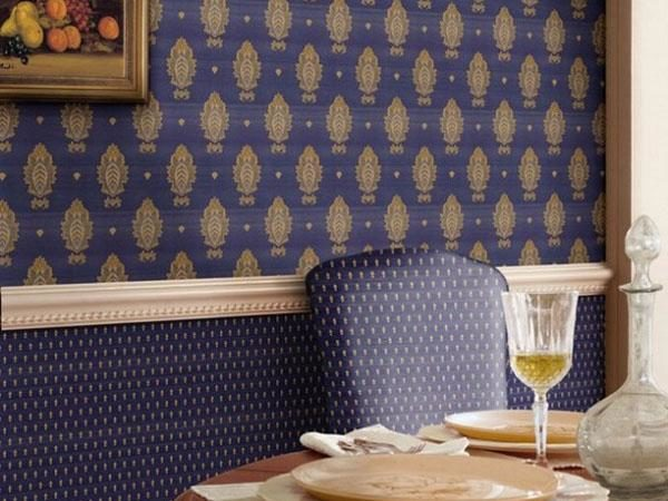 Горизонтальное зонирование текстильными полотнами в цвет мебели.