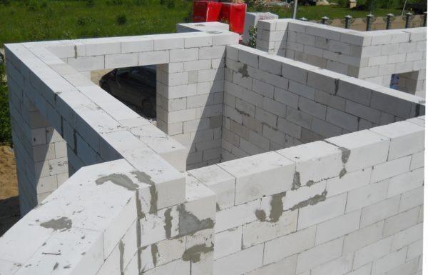 Идеальная геометрия блоков позволяет сделать швы предельно тонкими.