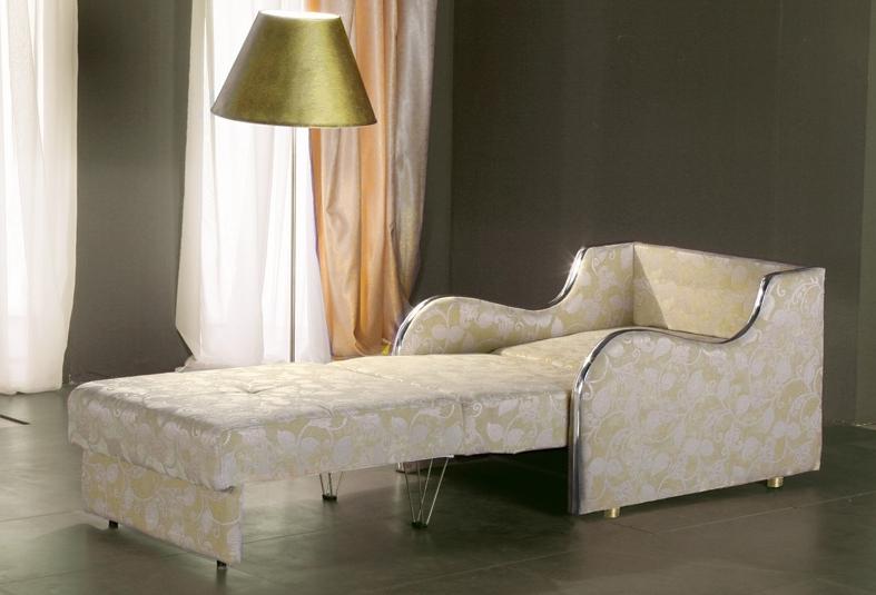 За считаные секунды удобное кресло превращается в полноценное спальное место для одного человека