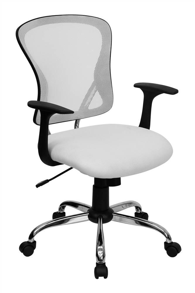 Рабочее кресло «Матиас» с сетчатой спинкой, что кстати удобно — спина «дышит», не потеет
