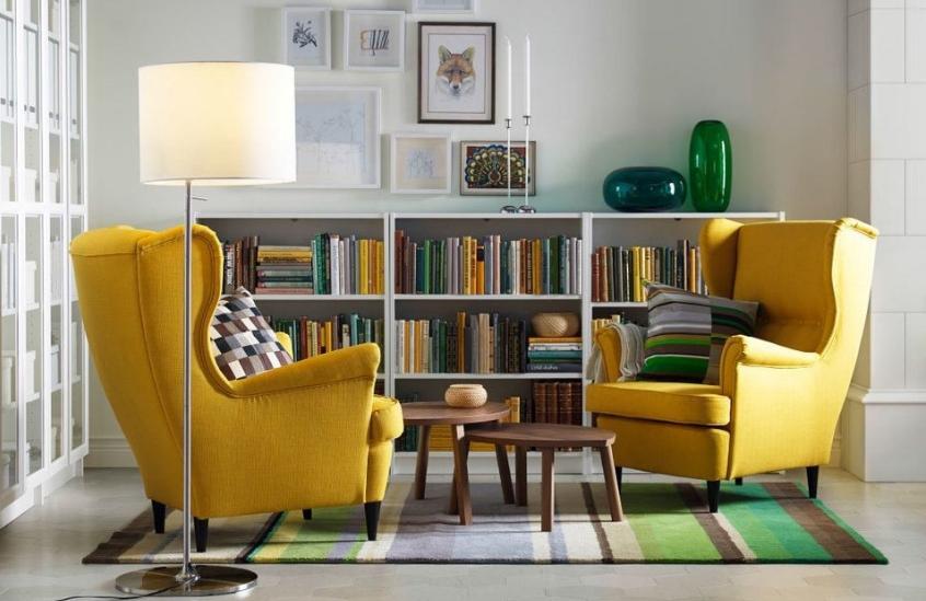 Массивные кресла подходят для просторных помещений, в маленьких они смотрятся не лучшим образом