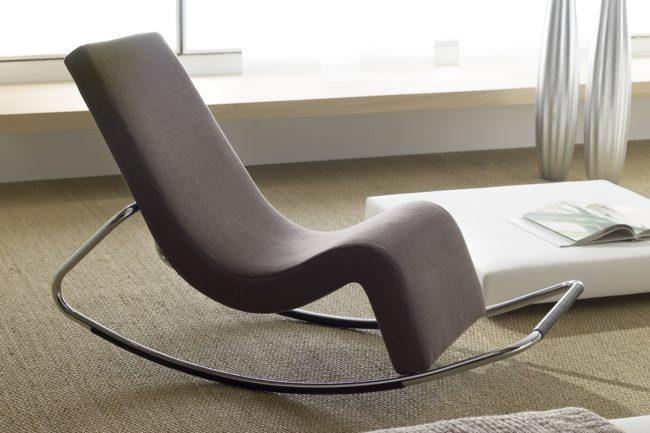 Кресло качалка в современном исполнении