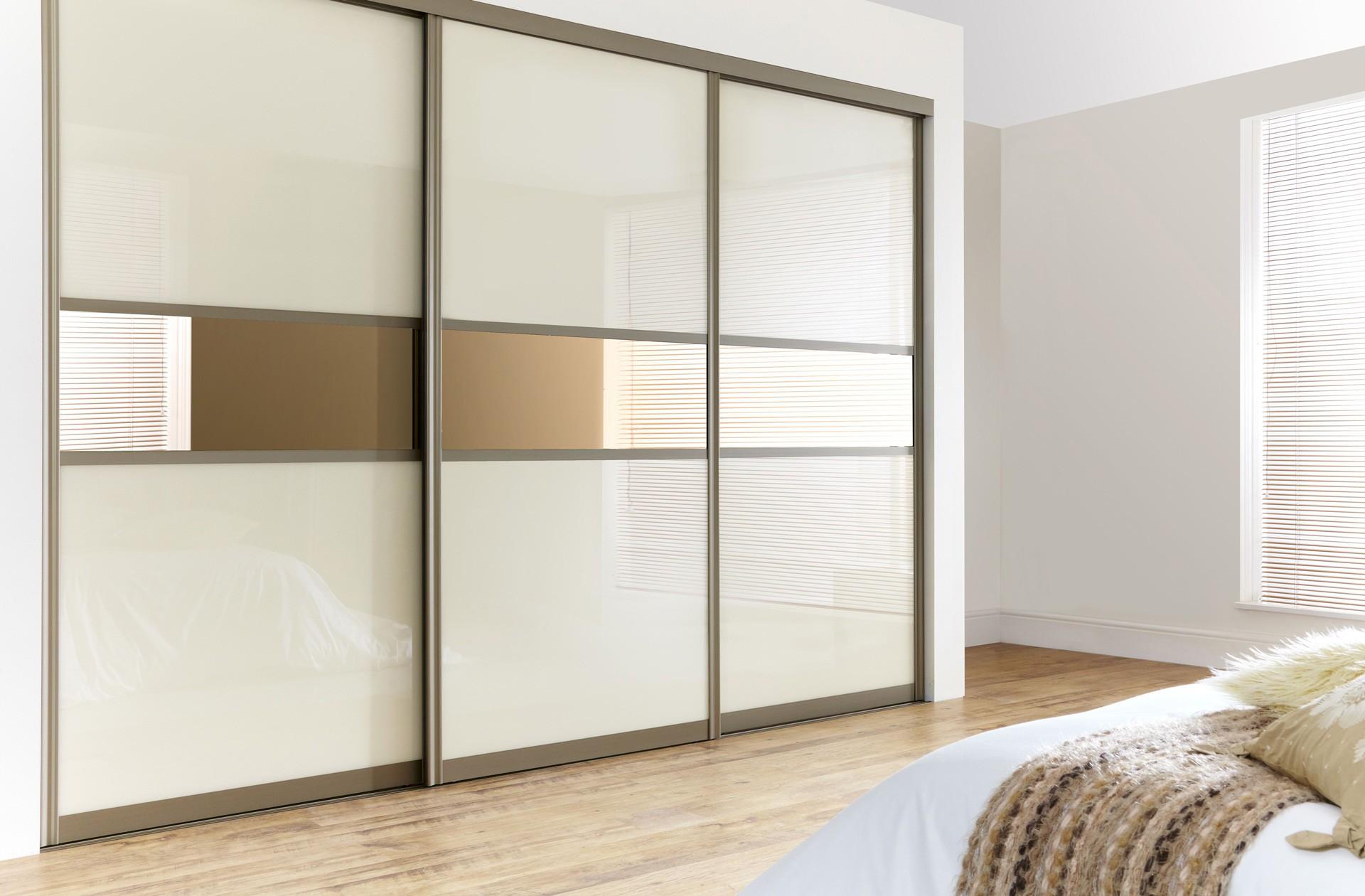 Пример комбинирования крашеного стекла и зеркал