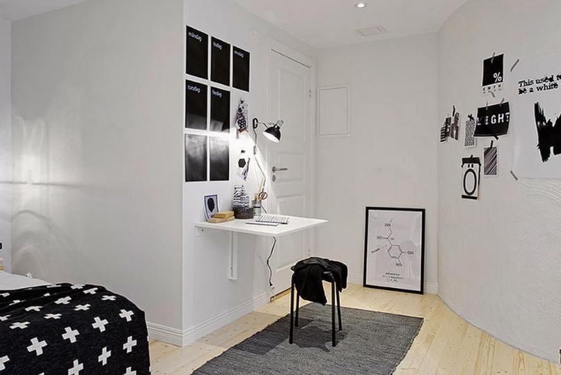 Компактный откидной столик в стильной спальне