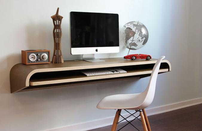 Необычный настенный вариант для кабинета или гостиной