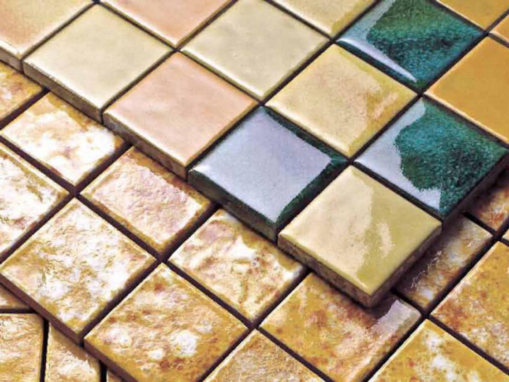 Любителю проще будет работать с плиткой правильной квадратной или прямоугольной формы