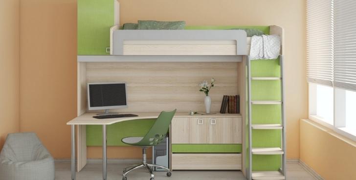 Кровать, совмещенная с рабочим местом позволяет разместить все необходимое на небольшой площади
