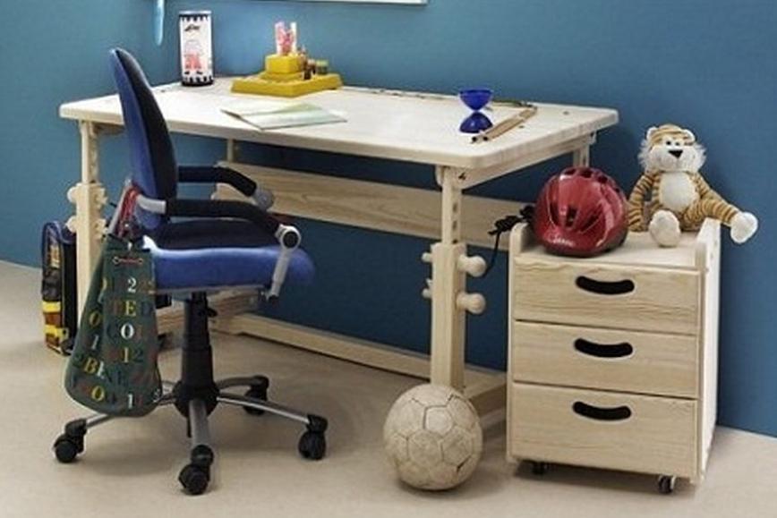 К детскому столу предъявляются более высокие требования, чем к стандартному