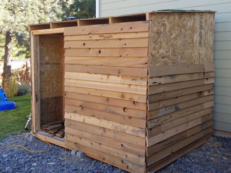 как обшить деревянный сарай